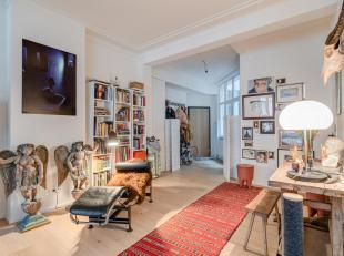Lichtrijk 2-slaapkamerappartement in centrum-Antwerpen.<br /> Op de derde verdieping van één van de oudste gebouwen op de Meir treft u d