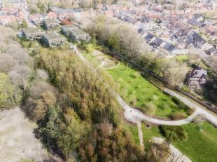 Dit ruime nieuwbouwappartement situeert zich op het gelijkvloers van blok 5 in woonproject Kerkwijck. Het pand beschikt over een ruime lichtrijke leef