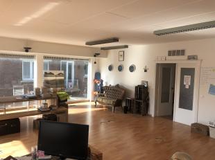 Op korte termijn beschikbaar!<br /> Kantoorruimte op de eerste verdieping in een kleinschalig kantoorgebouw,Strategisch commercieel gelegen op de Prin