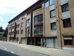 """Mooi 1 slaapkamer-appartement van 51 m² in het centrum van Leuven. Dit appartement is, aan de voorkant, gelegen in de Residentie """"De Langeman"""" op"""