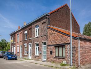 Deze volledig gerenoveerde woning met 3 slaapkamers en tuin is gelegen op wandelafstand van het station (15 min) en centrum Leuven. De woonst is geleg