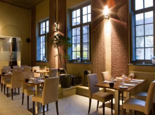 Handelszaak over te nemen. Zeer goed draaiend restaurant met uitgebreide kaart, gelegen in een authentiek pand in het hart van Leuven. De zaak is comm