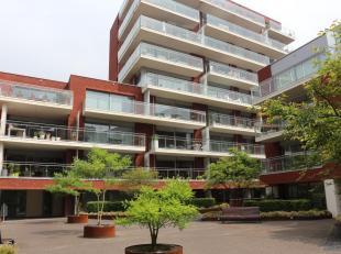Mooi appartement gelegen op de vierde verdieping aan de Vaartkom in residentie 'Waterside' met zicht vanop het terras over het binnenplein en de jacht