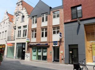 Gezellig 2-slaapkamerappartement in het centrum van Leuven.Het appartement beschikt over een ruime living met open keuken (voorzien van koelkast met d