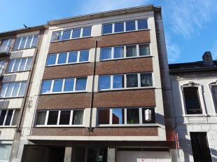 Mooi, rustig gelegen appartement met panoramisch zicht over Leuven, op een boogscheut van Leuven station. Het appartement bestaat uit een inkomhal, ru