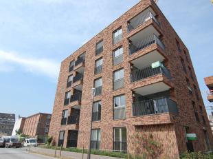 Luxueus, gelijkvloers gelegen nieuwbouwappartement met twee slaapkamers te Refugehof!<br /> Dit gelijkvloers appartement bevindt zich in de pas opgele