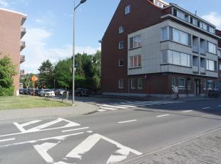 Volledig gerenoveerd appartement met lichtrijke leefruimte op een zeer centrale locatie.Het appartement is gelegen op de eerste verdieping (lift) en b