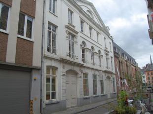 Gezellige en bemeubelde studio in centrum van Leuven op 10 minuten wandelen van het station.<br /> De studio bestaat uit een leef- en slaapruimte met