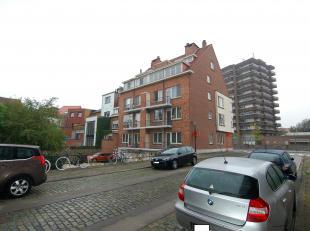 Rustig gelegen parking net binnen het centrum van Leuven.<br /> De huurprijs bedraagt 45 euro per maand. Er zijn geen gemeenschappelijke lasten.<br />