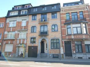 Kwalitatief, ruim en modern duplex-appartement met 3 slaapkamers in centrum Leuven!<br /> Dit duplex-appartement bestaat gelijkvloers uit een ruime wo