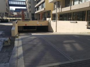 """Twee parkeerplaatsen te koop in parking """"Binnenhof"""" in het centrum van Leuven.<br /> Deze parkeerplaatsen zijn achter elkaar gelegen op verdieping -3"""