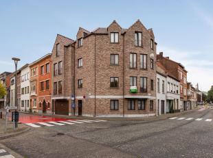 Leuke flat (58 m²) met één slaapkamer en privé-parking gelegen binnen de stadskern van Tienen.<br /> Gelegen langs de Gete,