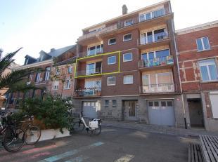 Leuk, centraal gelegen appartement in het centrum van Leuven met zicht op de sint-Anthoniuskerk!<br /> Het appartement bestaat uit een inkomhal, mooie