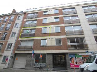 Ruim, opgefrist appartement met twee slaapkamers in centrum Leuven!<br /> Het appartement bestaat uit een ruime inkomhal met grote, ingebouwde vestiai