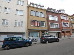 Leuke, rustig gelegen flat gelegen in Leuven!<br /> Deze gerenoveerde, gelijkvloerse flat is vooraan gelegen in het gebouw. Via de gemeenschappelijke