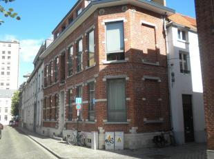 Prachtig triplex-appartement in het historisch centrum van Leuven!<br /> Dit 2 slaapkamer triplex-appartement is gelegen in het hartje van Leuven en h
