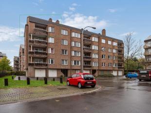 Lichtrijk hoekappartement met 2 slaapkamers en garagebox.<br /> Dit goed onderhouden appartement (106 m²) is gelegen op de 4de verdieping en op e