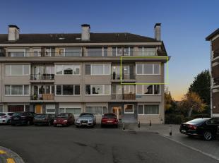 Instapklaar 2-slaapkamer appartement met garagebox vlakbij het station van Leuven.<br />  Dit lichtrijke hoekappartement van 77 m² is gelegen op