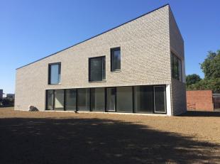 Architecturale nieuwbouw woning te koop in Herent.Deze woning wordt casco verkocht. Zo kan u nog uw ding doen wat de afwerking betreft.In de architect