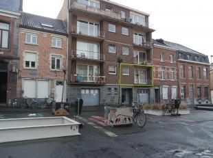 Leuk, centraal gelegen appartement in het centrum van Leuven met zicht op de Sint-Anthoniuskerk! Het appartement bestaat uit een inkomhal met gastento