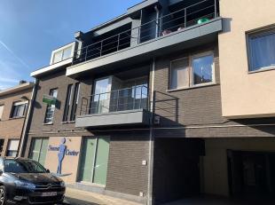 Gemeubeld appartement met 1 slaapkamer in centrum Leuven, nabij het station!<br /> Het appartement bevindt zich op de eerste verdieping en bestaat uit