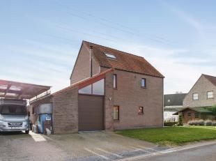 Deze ruime woning is gelegen in een aangename en rustige doodlopende straat te Kessel-Lo.<br /> De woonst is gelegen op een perceel van 601m², na