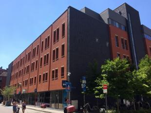 Zeer mooi, luxueus duplex-appartement met twee slaapkamers op een toplocatie (Barbarahof!) in het centrum van Leuven.<br /> Het appartement bestaat be