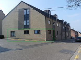 Beau appartement au rez-de-chaussée d'un résidence au centre de Haasrode. L'appartement existe d'un hall avec vestiaire, toilette separ&