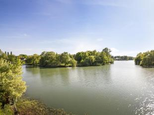 Dit is  absoluut - één van de mooiste bouwgronden aan het meer van Keerbergen ! Een unieke kans om alle dagen van dit schitterende exclu