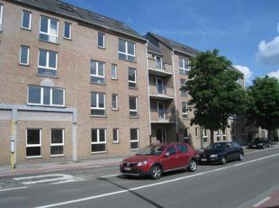 Duplex modern au centre de Louvain.  Un appartement rénové avec deux chambre au centre de Louvain.  Lappartement existe dun hall avec d&