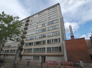 Appartement agréable avec 3 chambres à coucher situé près du centre de Louvain.L'appartement se compose d'un hall d'entr&e