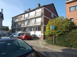 Mooi en rustig gelegen appartement met twee slaapkamers in Kessel-Lo.Het appartement bestaat uit een inkomhal met inbouwkasten en een ruime, lichtrijk