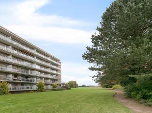 Ruim, gelijkvloers appartement met privé-tuin en terras en garagebox te Heverlee!<br /> Het appartement is gelegen op de gelijkvloerse verdiepi