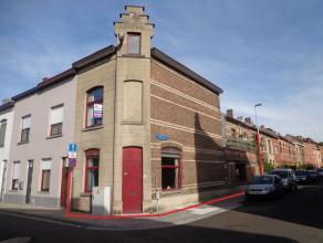Te renoveren hoekwoning met een groot dakterras (40m²) gelegen in een aangename, rustige woonomgeving vlakbij Park Van Abdij en op fietsafstand v