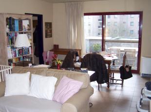Info en bezichtiging: MAIL filip@immodetiege.be<br /> <br /> Heverlee, appartement gelegen op 1e verdieping met 2 slaapkamers (18m² en 16m²)