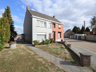 Rustig gelegen, te renoveren eengezinswoning op 604 m² op toplocatie te Hallaar/Heist-op-den-Berg.<br /> <br /> Vlakbij Hallaar/Heist-op-den-Berg