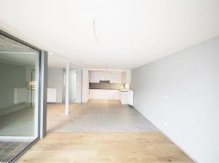 In optie/ in afwachting compromis/ bezoek mogelijk<br /> <br /> Ultieme kans… Fantastisch gerenoveerd 2 slaapkamer appartement van 109 m² met tui