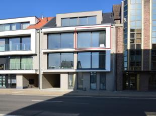 Prachtig 2 slaapkamer nieuwbouwappartement met terras centraal gelegen nabij centrum Putte.<br /> <br /> Zeer gunstig gelegen voor woon-werk verkeer m
