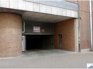 MOTO staanplaats (niet beschikbaar voor auto!) te huur in het centrum Leuven nabij Fochplein, Grote Markt, Oude Markt, Ladeuzeplein, Herbert Hooverple