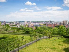 Op wandelafstand van hartje Leuven vindt u dit exclusieve appartement met 3 slaapkamers, een bewoonbare oppervlakte van 140m² en maar liefst 140m