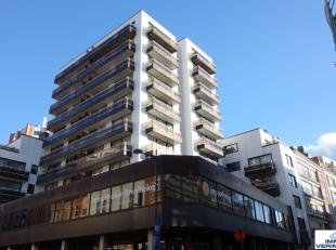 Uitstekend gelegen handelsgelijkvloers / kantoorruimte. Goed gelegen in centrum Leuven, vlakbij publieke parkings, Bondgenotenlaan en Diestsestraat. D