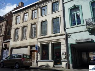 Mooi gelegen handelsruimte in het centrum van Leuven!Indeling: open handelsruimte met sanitair, verdeeld in 3 ruimtes: mooie open handelsruimte met hi