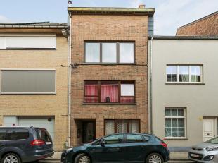 Uitstekend gelegen vlakbij station en op wandelafstand van hartje Leuven vindt u dit appartementsgebouw met 4 appartementen. Gelijkvloers appartement