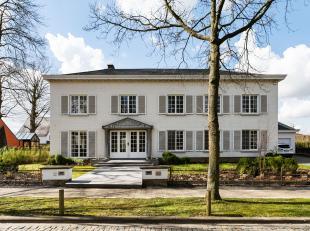Op fietsafstand van Leuven centrum en op de rand van Heverlee bos vindt u dit unieke villa appartement met drie slaapkamers, garage en terras. Indelin