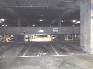 Het betreft een autostaanplaats gelegen op  -1.<br /> Schitterend gelegen in hartje Leuven. <br /> <br /> <br /> Meer info of een bezoek? Contacteer F