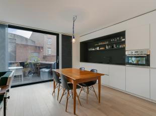 Uitstekend gelegen appartement met 1 slaapkamer gelegen op de 1e verdieping.Totaalrenovatie 2015.<br /> Dit appartement is gelegen in het wandelgedeel