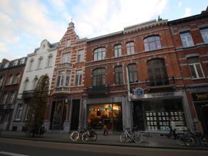 Triplex appartement gelegen op de Bondgenotenlaan in Leuven.<br /> <br /> Dit ruime appartement (281m²) bestaat uit  een leefruimte met open keuk