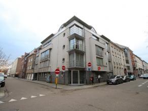 Pakket van 2 studio's gelegen op prima locatie te centrum Leuven.<br /> Duplex studio (40m²) met living met kitchenette en verdiep met badkamer e