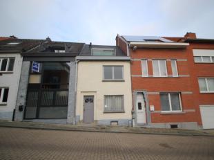 Toffe en recent gerenoveerde eengezinswoning vlak bij de ring van Leuven.<br /> <br /> Deze woning bestaat uit twee delen waarbij het eerste deel zich