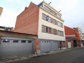 Volledig gerenoveerd appartement met 1 slaapkamer en terras te centrum Leuven!<br /> <br /> Het appartement werd in 2012 volledig gerenoveerd met smaa